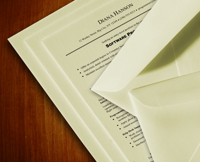 what is resume paper Resume paper is made from a variety of material, including cotton, fine linen, parchment and bamboo though these papers are fancy and intended to make an impression, many job recruiters are just as impressed by the plain white paper with a great resume imprinted on it than what the paper is made out of.